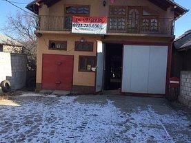 Casa de vânzare 5 camere, în Fieni, zona Central