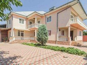 Casa de vânzare 7 camere, în Focsani, zona Sud