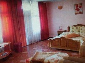 Casa de vânzare 12 camere, în Eforie Nord, zona Central