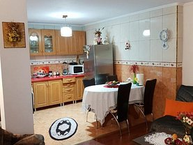 Casa de vânzare 4 camere, în Constanţa, zona Trocadero