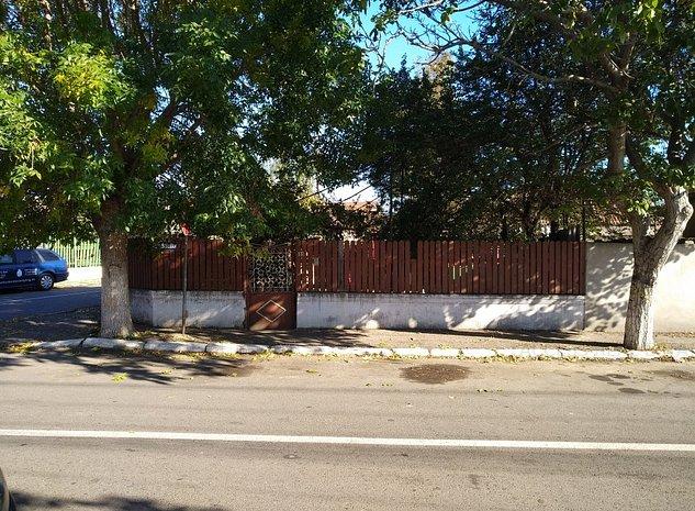 Teren cu casa din chirpic aproape de Piata 4 - 5 - imaginea 1