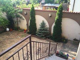 Apartament de vânzare 2 camere, în Bucuresti, zona Damaroaia
