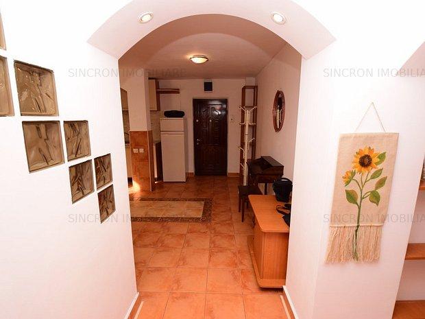 Decomandat, modern, 2 camere lângă Mall Vitan, Etaj 1 - bloc 4 etaje - imaginea 1