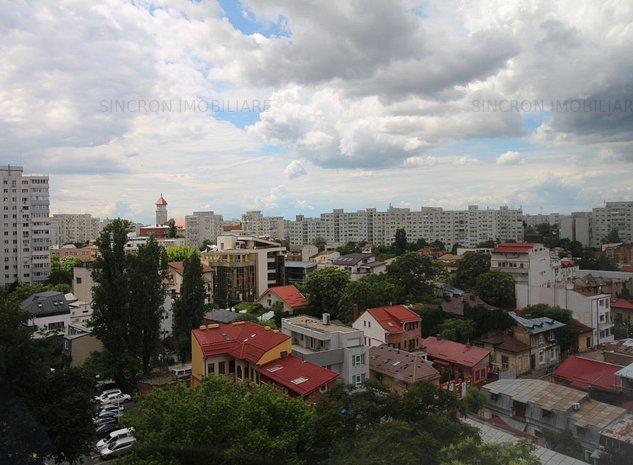 Piața Victoriei - Titulescu, vedere pe spate, bloc solid 1977, 31 mp - imaginea 1