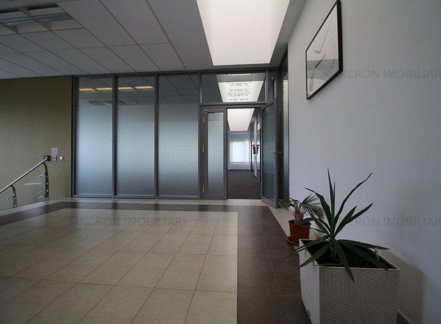 Spațiu 180 mp în clădire de birouri, utilitati si 2 parcări incluse - imaginea 1