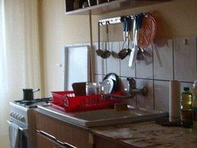 Apartament de închiriat 3 camere, în Arad, zona Micalaca