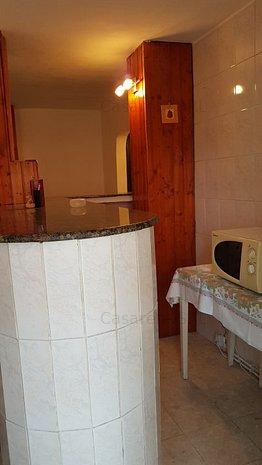 Apartament de închiriat 3 camere - imaginea 2