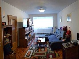 Apartament de vânzare 3 camere, în Arad, zona Banu Maracine