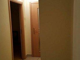 Apartament de închiriat 3 camere, în Arad, zona Băncilor