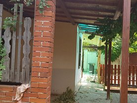 Casa de vânzare 2 camere, în Arad, zona Aradul Nou