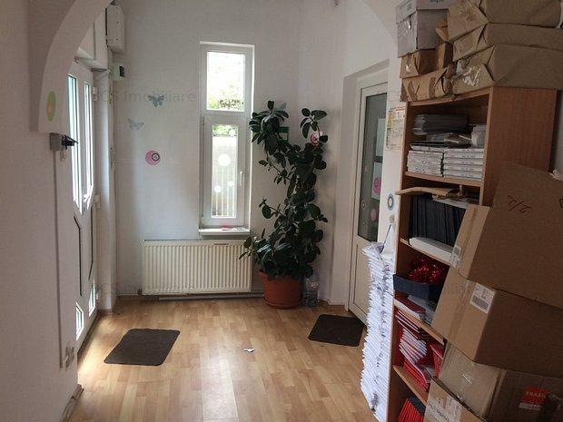 Casa P+1 cu 5 camere si 3 bai la metrou parc Tineretului 1200 Euro - imaginea 1