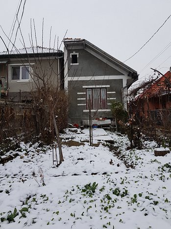 Casa modesta de vanzare in Gruia - imaginea 1