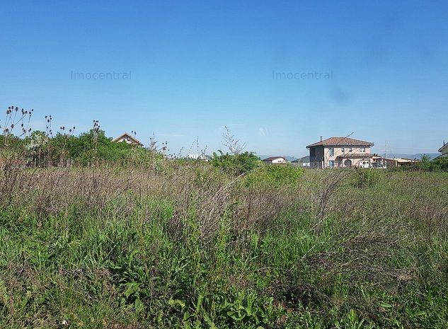Teren in zona rezidentiala de case - imaginea 1