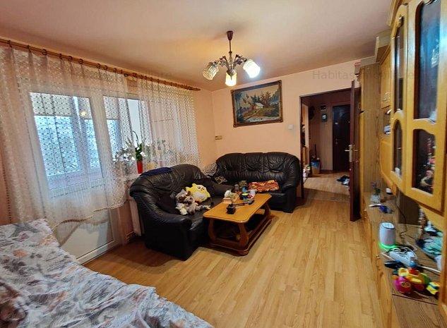Apartament 3 camere, etaj intermediar, boxa, Piata Hermes - imaginea 1