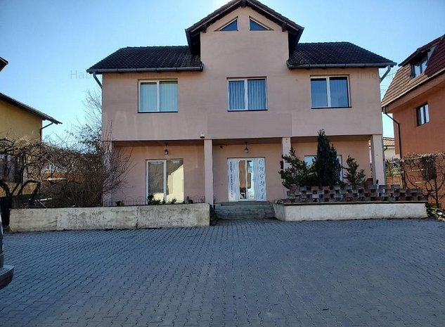 Casa cu 6 camere de vanzare in zona Europa - imaginea 1