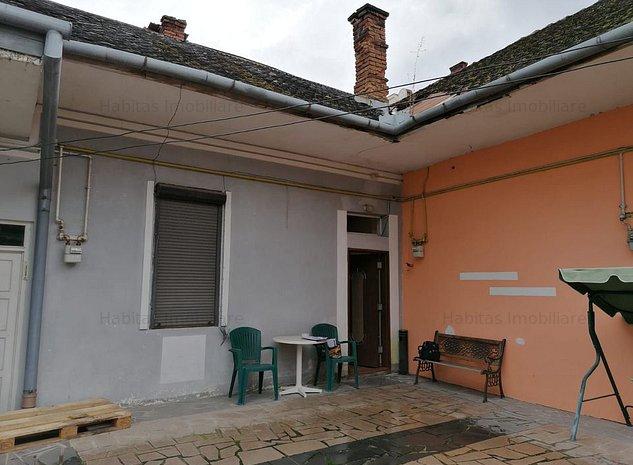 Casa mansardabila in zona centrala, cu garaj - imaginea 1