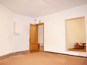 Casa de închiriat 8 camere, în Cluj-Napoca, zona Bună Ziua