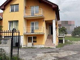 Casa de închiriat 8 camere, în Cluj-Napoca, zona Iris