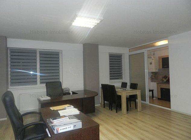 Apartament, doua parcari subterane, boxa, mobilat, zona autogara Beta - imaginea 1