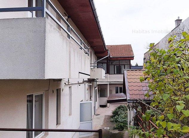 Imobil format din 9 apartamente in zona Semicentral - imaginea 1
