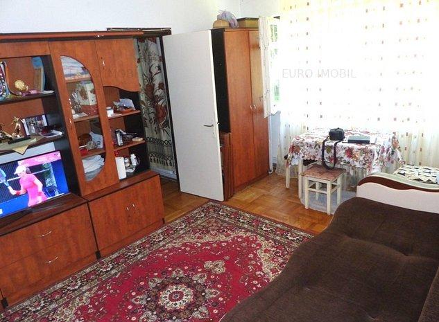 Apartament cu 2 camere, parter, str. Parangului - imaginea 1