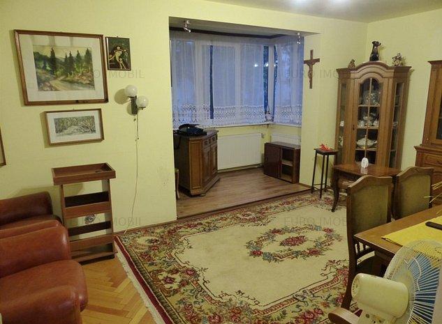 Apartament cu 3 camere in cartierul Dambul Pietros - imaginea 1