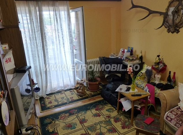 De vanzare apartament 3 camere, in Targu Mures, cartierul Dambul Pietros - imaginea 1
