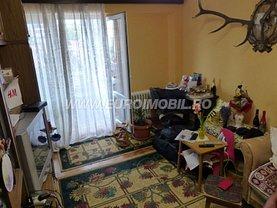 Apartament de vânzare 3 camere, în Târgu Mureş, zona Dâmbu Pietros