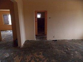 Apartament de vânzare 4 camere în Oradea, Dragos Voda