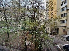 Apartament de închiriat 3 camere, în Bucureşti, zona Tei