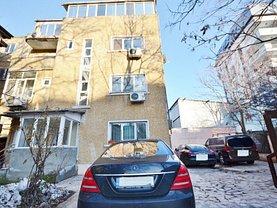 Casa de vânzare 9 camere, în Bucuresti, zona Calea Calarasilor