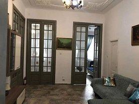Apartament de vânzare 8 camere, în Bucureşti, zona P-ţa Sfântul Ştefan
