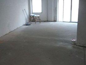Casa de vânzare sau de închiriat 5 camere, în Bucureşti, zona P-ţa Muncii