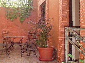 Casa de vânzare 8 camere, în Bucuresti, zona Decebal