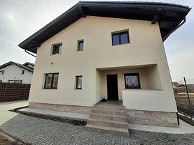 Casa de vânzare 6 camere, în Hărman