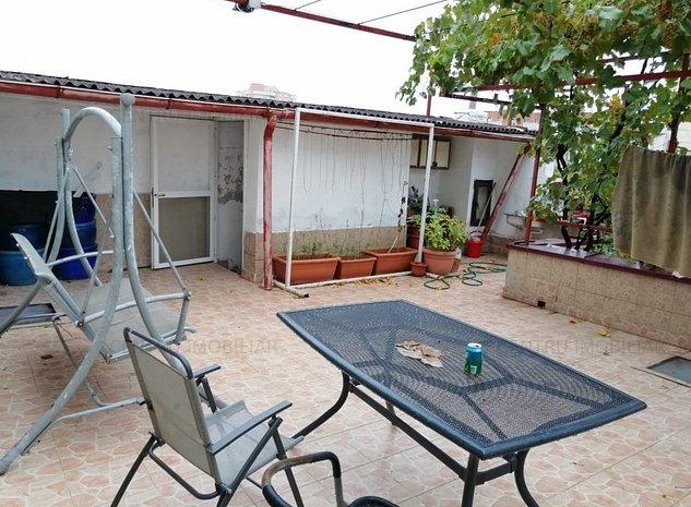 Casa de vanzare in Faleza Nord aproape de plaja - imaginea 1