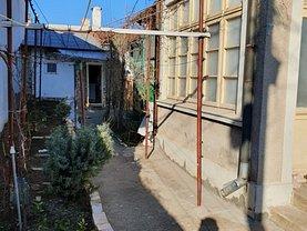 Casa de vânzare 2 camere, în Constanta, zona Faleza Nord