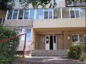 Apartament de vânzare 3 camere, în Tulcea, zona Central