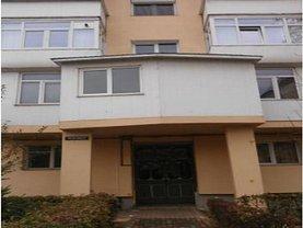 Apartament de vânzare 3 camere, în Roman, zona Ultracentral