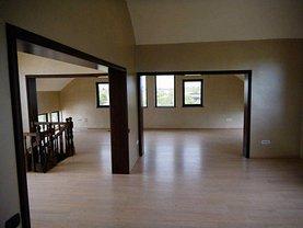 Casa de vânzare 9 camere, în Fundulea, zona Central