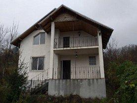 Casa de vânzare 4 camere, în Pucioasa