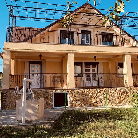 Vila, 6 camere, mobilata, anexa, 550 mp teren, 500 m pana la E85-Valea Lupului - imaginea 1