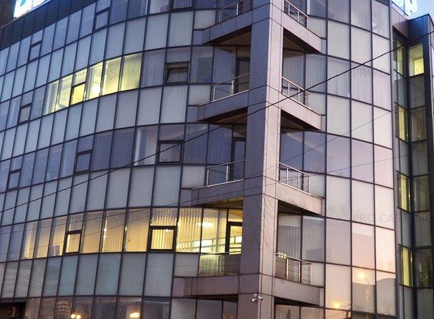 Cladire birouri, zona Podu Ros, complet amenajată, complet mobilată - imaginea 1