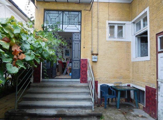 vanzare casa zona centrala - imaginea 1