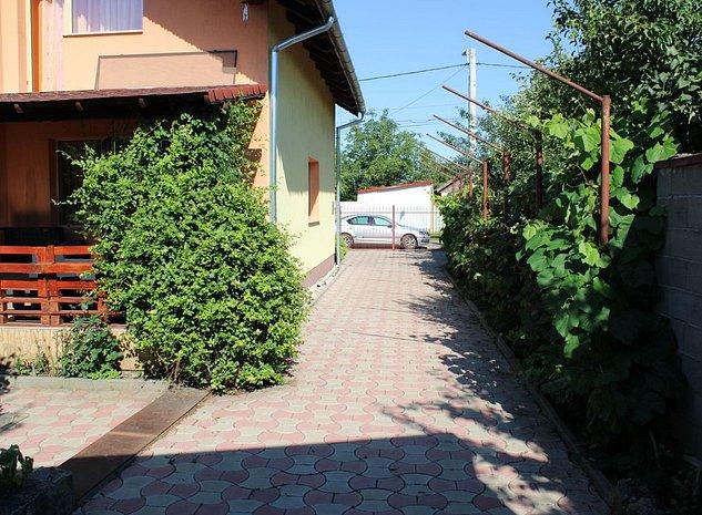 Zona Girocului/Fratelia, 5 locuri de parcare, zona de BBQ, garaj depozitare! - imaginea 1