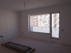 Apartament de vânzare 4 camere în Bucuresti, Nerva Traian