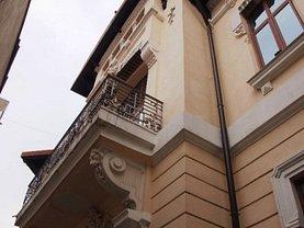 Casa 14 camere în Bucuresti, Universitate
