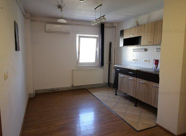 Ap 3 camere, pretabil locuinta sau activitati birou - imaginea 1