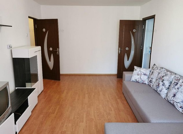 Apartament 3 camere semidecomandat Alexandru cel Bun - imaginea 1