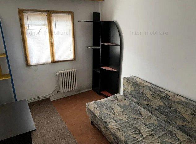 Apartament 3 camere semidecomandat Mircea cel Batran - imaginea 1